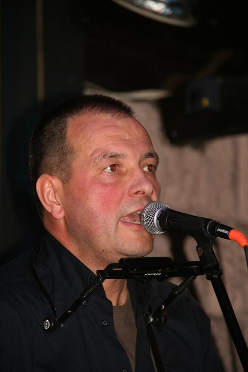 Przeglądasz zdjącia z koncertu: 2012-12-07 Krzysztof Jurkiewicz