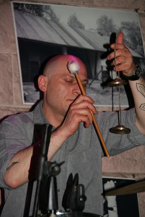 Przeglądasz zdjącia z koncertu: 2013-06-07 Sklep z Ptasimi Piórami