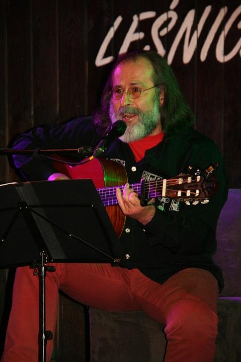 Przeglądasz zdjącia z koncertu: 2016-04-22 Antoni  Muracki śpiewa pieśni Jaromira Nohavicy