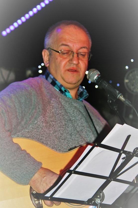 Przeglądasz zdjącia z koncertu: 2018-01-05 Kolędowanie z JURKIEM FILAREM