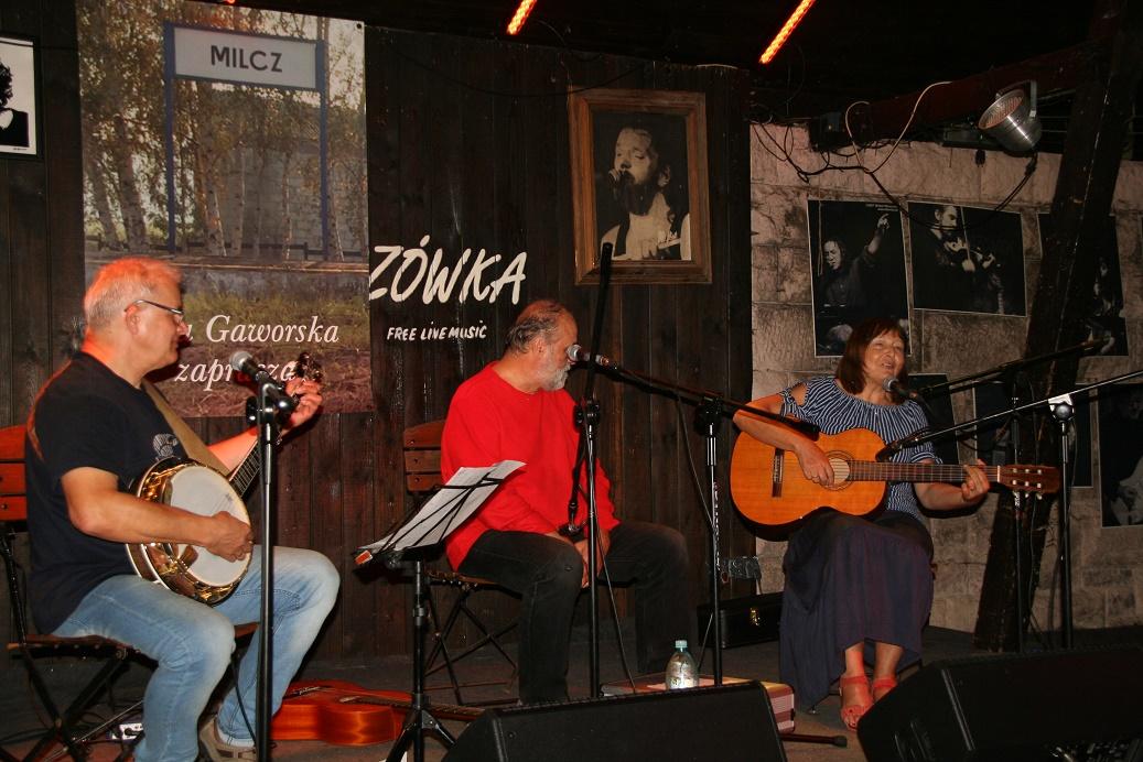 Przeglądasz zdjącia z koncertu: 2018-06-29 EWA GAWORSKA + Śpiewanie przy kominku