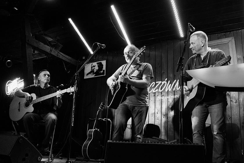 Przeglądasz zdjącia z koncertu: 2018-09-21 JURKIEL/KAPEĆ/MARIASZEK